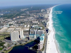 Airial_View_of_Destin_159100657_std